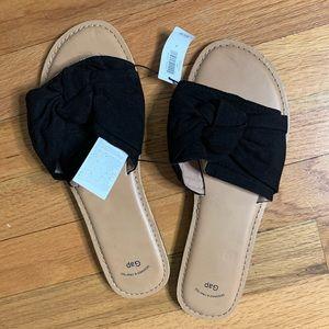 NWT black knit sandals